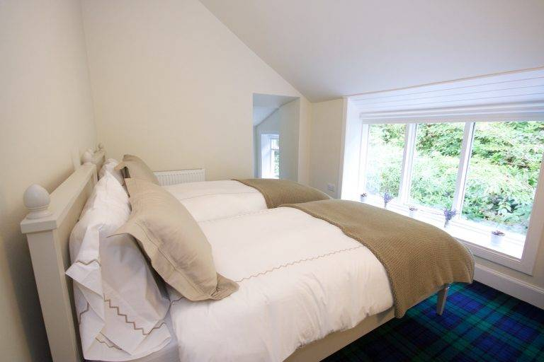 rossmayhouse-interior-new-bed-fyne-2