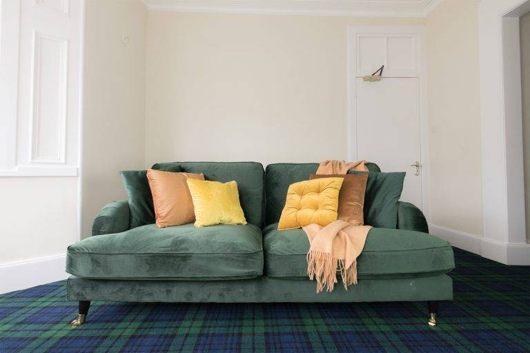 rossmayhouse-interior-the-suite-sofa
